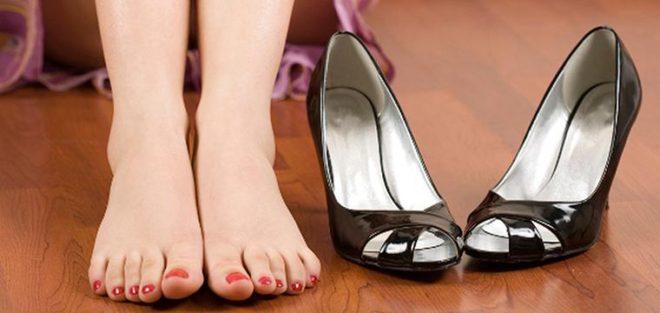ношение неудобной обуви