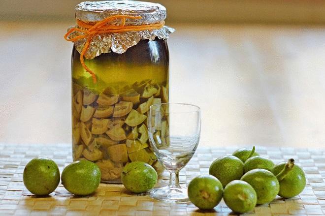 грецкие орехи от паразитов, настойка