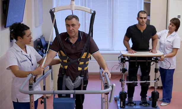 Восстановление после инсульта с реабилитологом