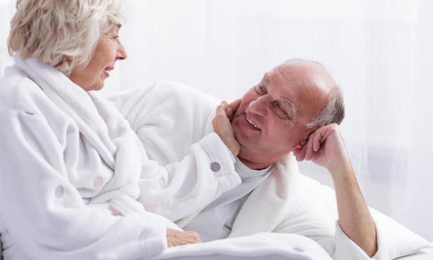 Проявление нежности к больному в постинсультный период