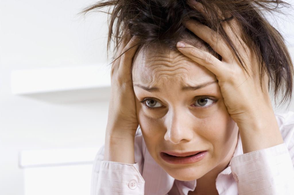 Чем опасен и как проявляется приступ ВСД? Как не паниковать и быстро снять обострение в домашних условиях?